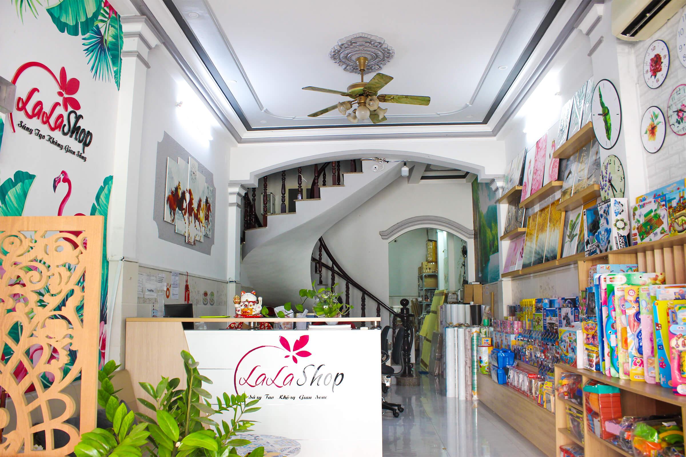 Cửa hàng Lala Shop chuyên bán các sản phẩm trang trí nội thất tại tphcm