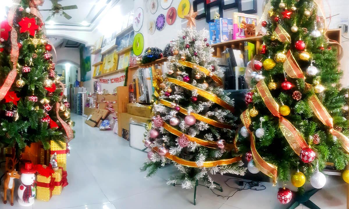Giới thiệu top 10 cửa hàng bán cây thông và đồ trang trí Noel giá rẻ tại tphcm