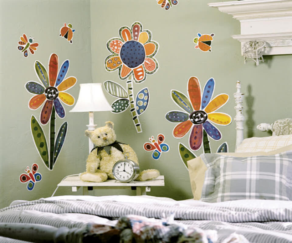 Tranh vẽ tường hoa bướm cho các bé gái